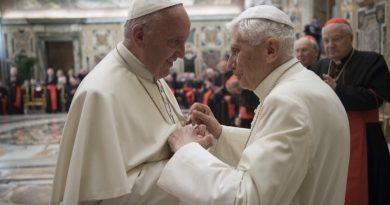 Bapa Suci Fransiskus: Gereja Sangat Membutuhkan Komunio