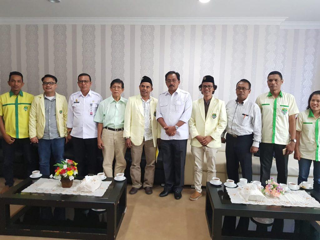 Pengurus Pemuda Katolik Komda Kepri bersama Gubernur Kepri Dr. H. Nurdin Basirun, S.Sos, M.Si